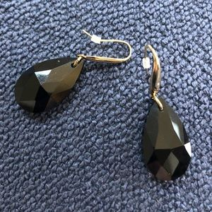 Black & goldtone drop earrings